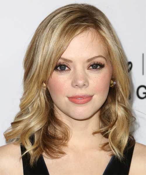 Dreama Walker Medium Wavy Casual   Hairstyle   - Medium Blonde