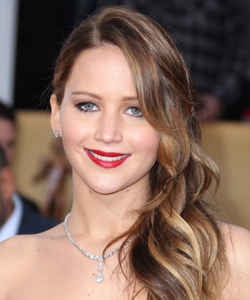 Jennifer Lawrence Long Wavy     Hairstyle