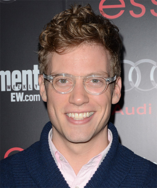 Barrett Foa Short Wavy Casual   Hairstyle