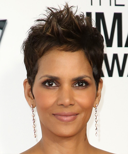 Halle Berry Short Straight Casual    Hairstyle   - Dark Brunette Hair Color with Light Brunette Highlights