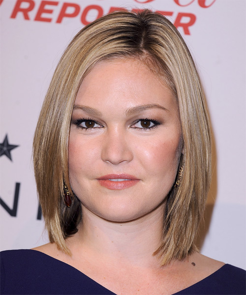 Julia Stiles Medium Straight Formal    Hairstyle   -  Champagne Blonde Hair Color with Light Blonde Highlights