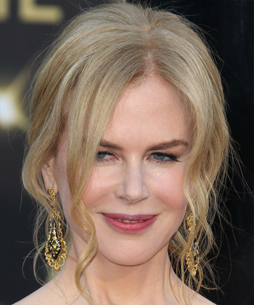Nicole Kidman Long Curly Light Strawberry Blonde Updo With