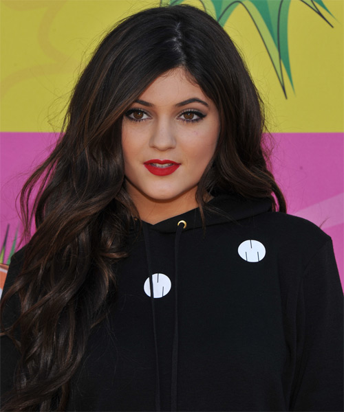 Kylie Jenner Long Wavy Casual   Hairstyle