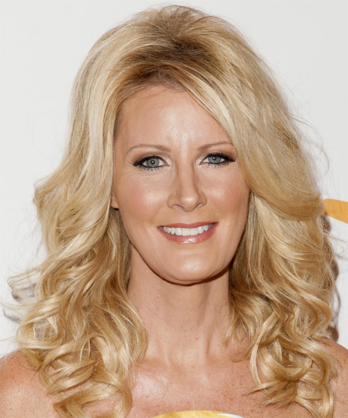 Sandra Lee Long Wavy Formal   Hairstyle with Side Swept Bangs  - Light Blonde (Golden)