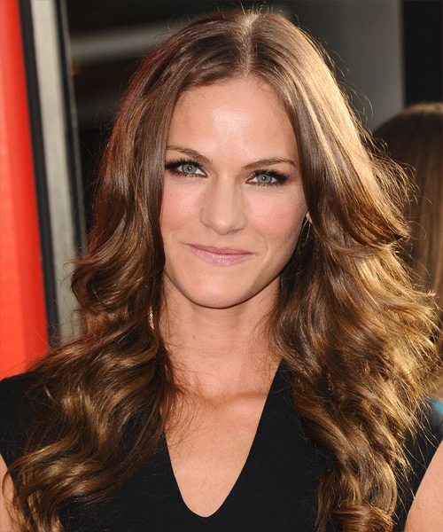 Kelly Overton Casual Long Wavy Hairstyle