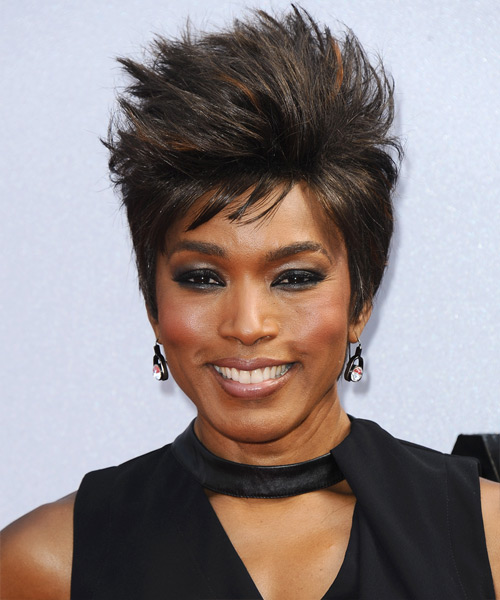 Angela Bassett Short Straight Casual    Hairstyle