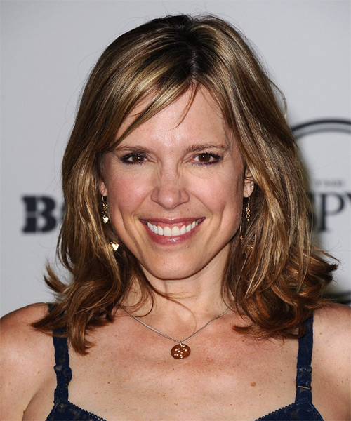 Hannah Storm Medium Straight Casual   Hairstyle