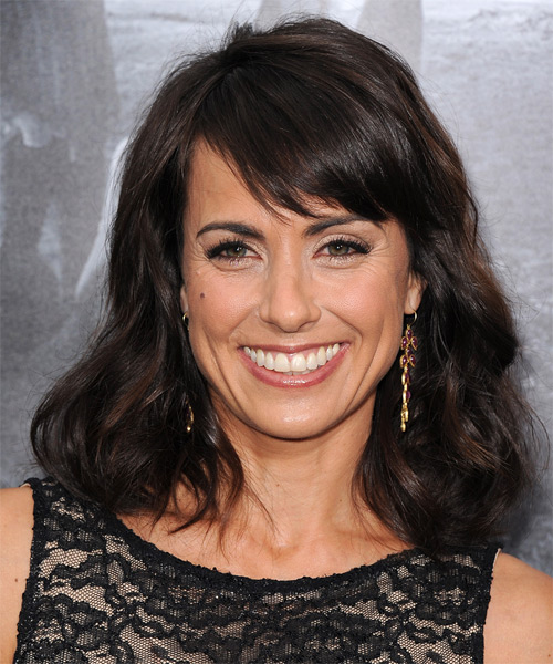 Constance Zimmer Medium Wavy Casual   Hairstyle