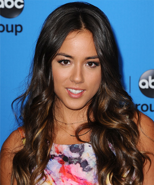 Chloe Bennet Casual Long Wavy Hairstyle
