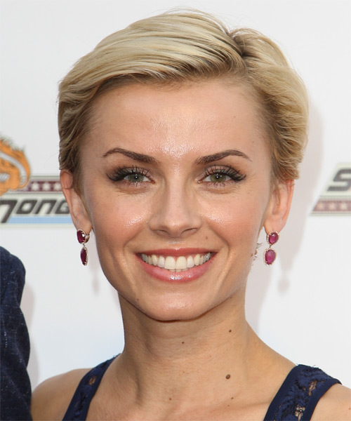 Sara Wells Short Straight Formal   Hairstyle
