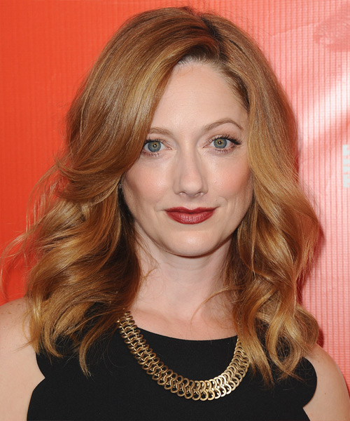 Judy Greer Medium Wavy     Hairstyle