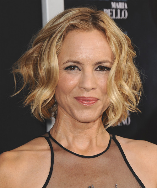 Maria Bello Short Wavy Casual Hairstyle