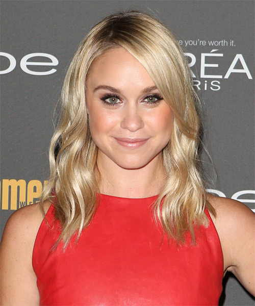 Becca Tobin Medium Wavy Casual   Hairstyle