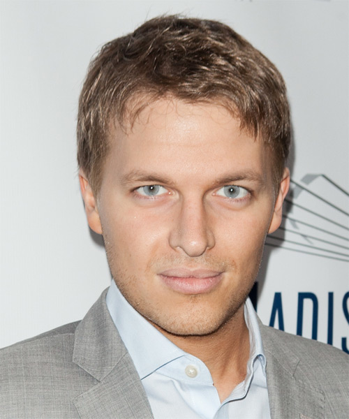 Ronan Farrow Short Straight Casual   Hairstyle