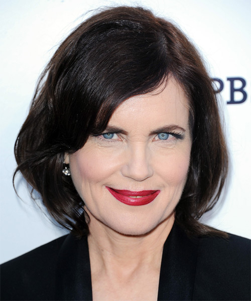 Elizabeth McGovern Medium Straight Casual Bob  Hairstyle   - Dark Brunette