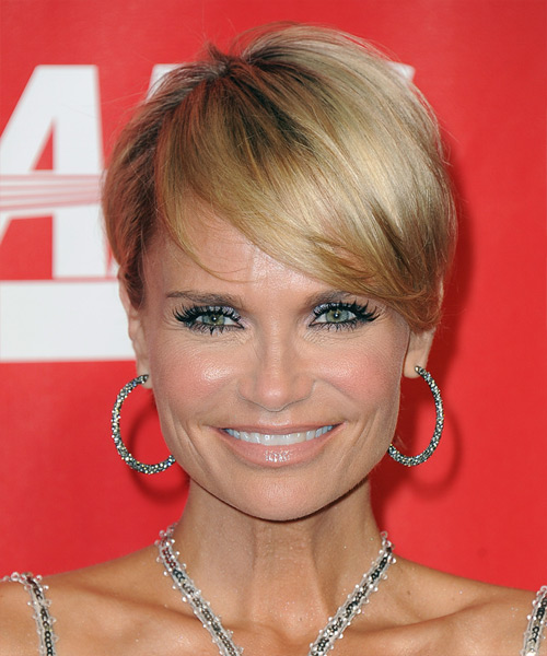 Kristin Chenoweth Short Straight Formal    Hairstyle   -  Blonde Hair Color with Light Blonde Highlights