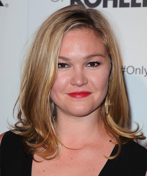 Julia Stiles Medium Straight Golden Blonde Hairstyle with ...