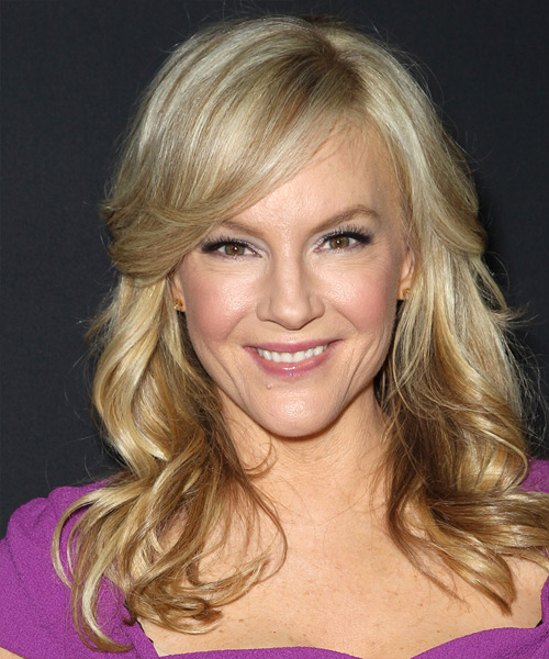 Rachael Harris Long Wavy Formal   Hairstyle with Side Swept Bangs  - Medium Blonde
