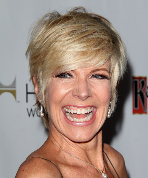 Debby Boone Short Straight Casual   Hairstyle   - Medium Blonde
