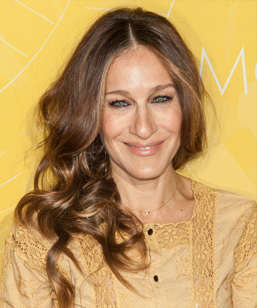 Sarah Jessica Parker Long Wavy    Chestnut Brunette   Hairstyle   with Dark Blonde Highlights