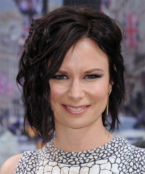 Mary Lynn Rajskub Medium Wavy Casual   Hairstyle   - Dark Brunette