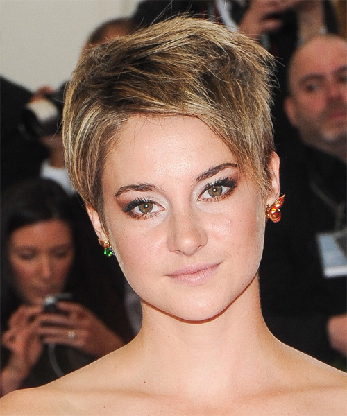 Shailene Woodley Short Straight Casual    Hairstyle   - Dark Blonde Hair Color with  Blonde Highlights