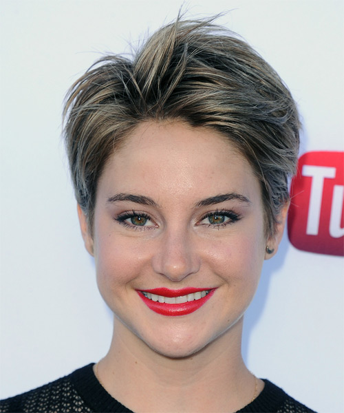 Shailene Woodley Short Straight Casual    Hairstyle   - Dark Ash Blonde Hair Color with  Blonde Highlights