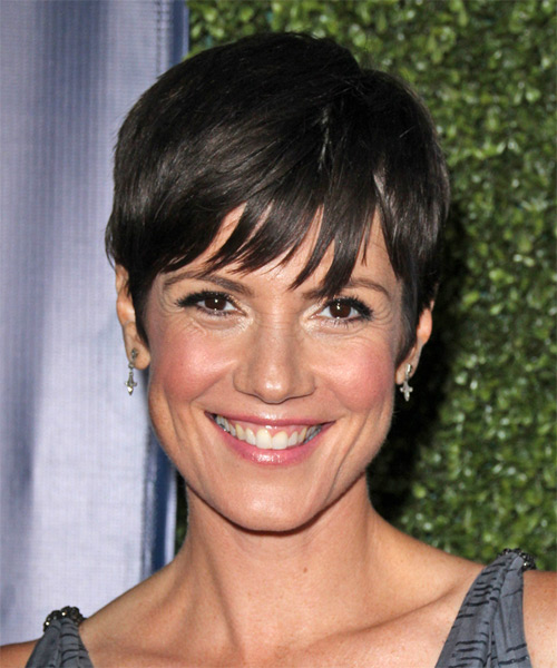 Zoe McLellan Short Straight Casual   Hairstyle   - Black
