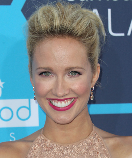 Anna Camp  Long Straight    Blonde  Updo    with Light Blonde Highlights