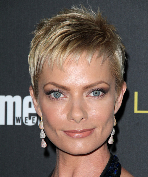 Jaime Pressly Short Straight Formal    Hairstyle with Layered Bangs  -  Blonde Hair Color