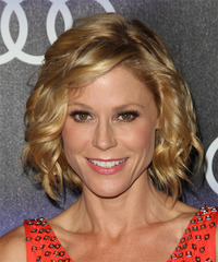 Julie Bowen Medium Wavy Formal    Hairstyle with Side Swept Bangs  -  Golden Blonde Hair Color