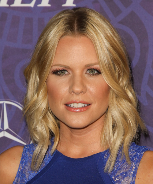Carrie Keagan Medium Wavy Casual   Hairstyle   - Medium Blonde (Golden)
