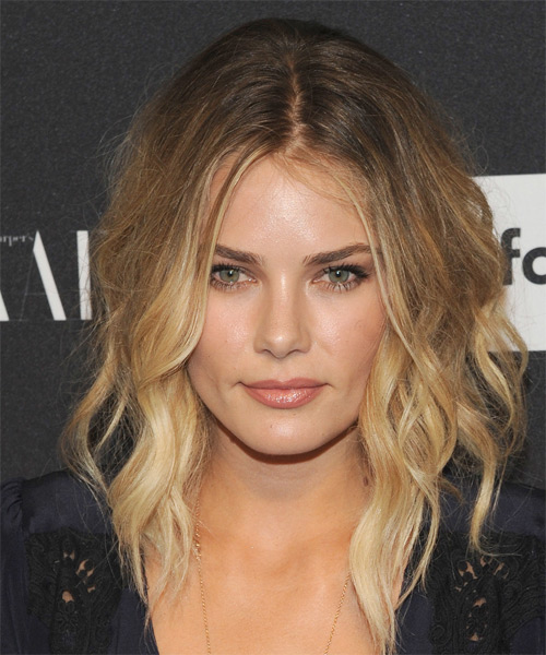 Tori Praver Medium Wavy Casual   Hairstyle   - Dark Blonde