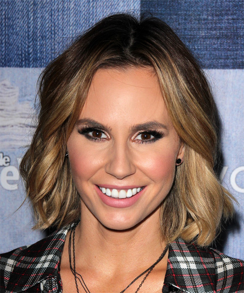 Keltie Knight Medium Wavy Casual   Hairstyle   - Dark Blonde