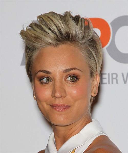 Kaley Cuoco Short Straight Casual    Hairstyle   -  Blonde Hair Color - Side on View
