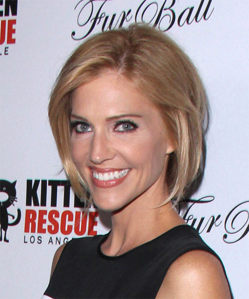 Tricia Helfer Medium Straight   Dark Honey Blonde   Hairstyle   - Side on View