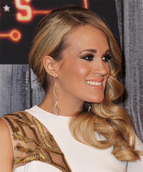 Carrie Underwood Long Wavy   Dark Golden Blonde   Hairstyle   - Side on View