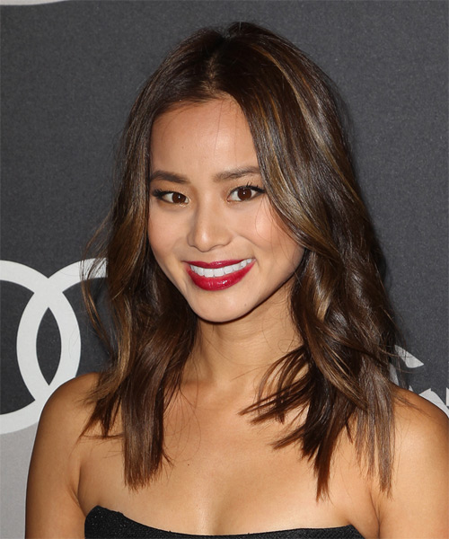 Jamie Chung Medium Wavy Casual   Hairstyle   - Medium Brunette (Chocolate) - Side on View