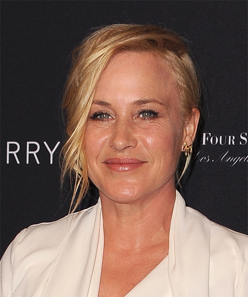Patricia Arquette Short Wavy Formal    Hairstyle   - Medium Golden Blonde Hair Color - Side on View