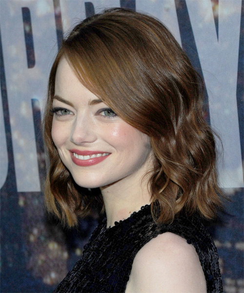 Emma Stone Medium Wavy Casual   Hairstyle   - Medium Brunette - Side on View