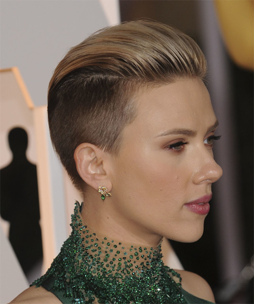 Scarlett Johansson Short Straight   Light Chestnut Brunette   Hairstyle   - Side on View