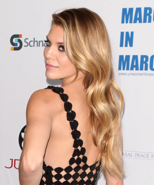 AnnaLynne McCord Long Wavy Casual    Hairstyle   - Dark Blonde Hair Color with Light Blonde Highlights - Side on View