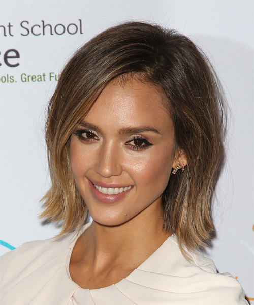 Jessica Alba Medium Straight Casual   Hairstyle   - Medium Brunette - Side on View