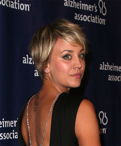Kaley Cuoco Short Straight Casual    Hairstyle with Side Swept Bangs  - Dark Blonde Hair Color with Light Blonde Highlights - Side on View