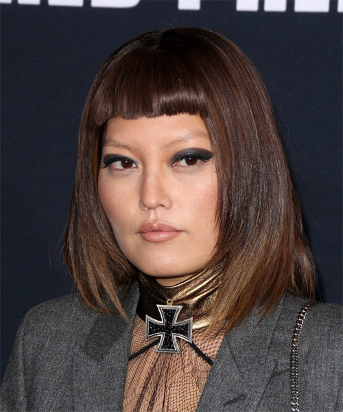 Hana Mae Lee Medium Straight Casual Bob  Hairstyle with Blunt Cut Bangs  - Dark Brunette - Side on View