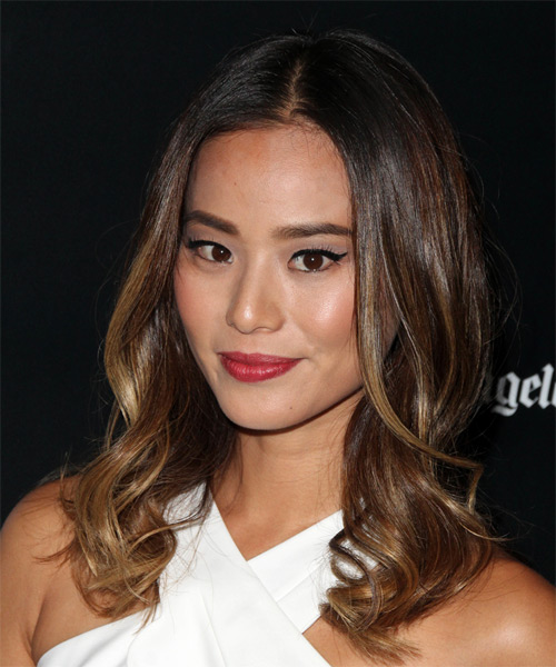 Jamie Chung Long Wavy Casual   Hairstyle   - Side on View