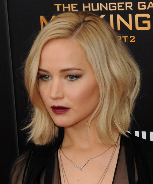 Jennifer Lawrence Medium Straight    Golden Blonde   Hairstyle   - Side on View