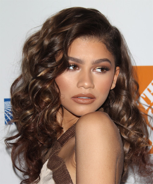 Zendaya Coleman Long Curly    Brunette   Hairstyle   - Side on View