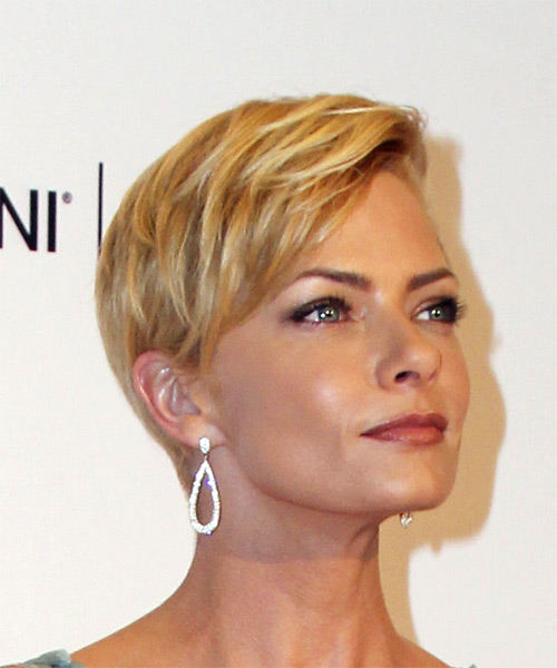 Jaime Pressly Short Straight Formal Pixie  Hairstyle with Side Swept Bangs  - Medium Blonde (Golden) - Side on View