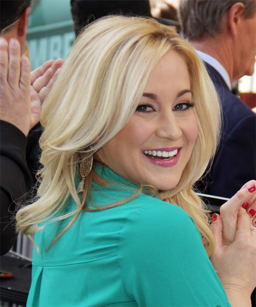 Kellie Pickler Long Wavy Formal    Hairstyle with Side Swept Bangs  - Light Blonde Hair Color - Side on View
